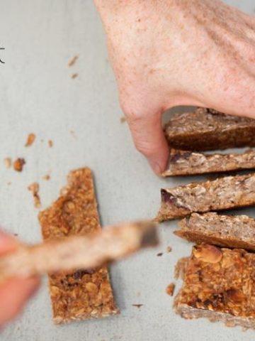 quick & healthy breakfast muesli bar recipe